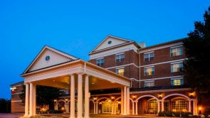 Spring Hill Suites Hotel Exterior