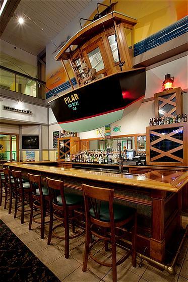 Holiday Inn Oceanside bar