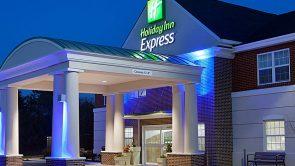 Holiday Inn Express Williamsburg Exterior