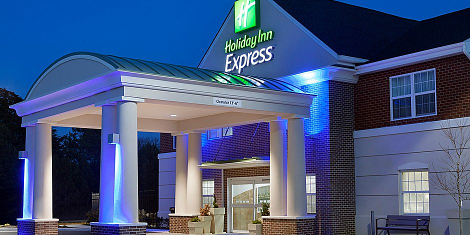 Holiday Inn Express Williamsburg Exterior