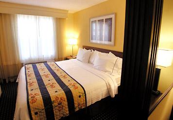 SpringHill Suites Williamsburg king suite