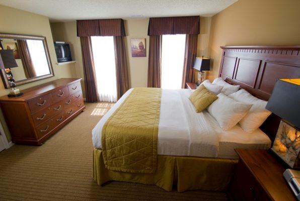 King room at Greensprings Vacation Resort