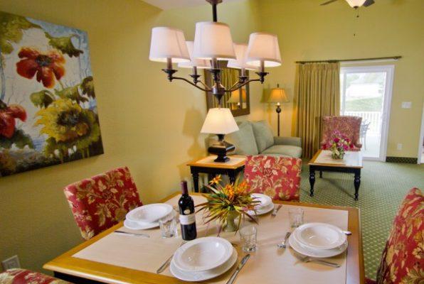 Living room at Powhatan Resort
