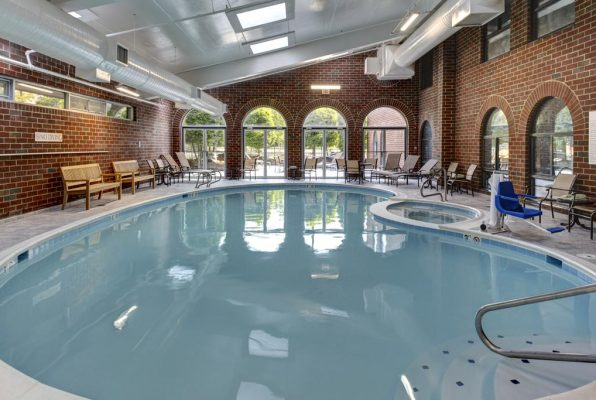 Pool at Embassy Suites Williamsburg