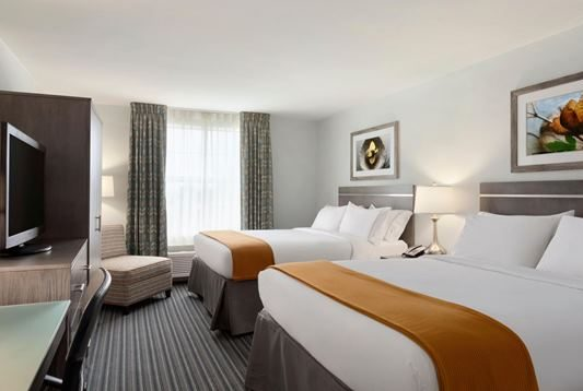 Holiday Inn Express North Williamsburg Hotel Room